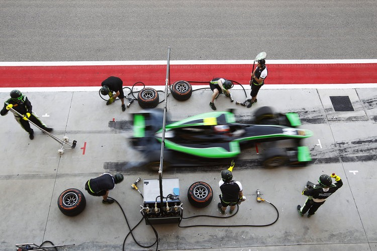 GP2 new boys Status Grand Prix are put through their paces with some pit stop practice. (Credit: Sam Bloxham/GP2 Media Service)