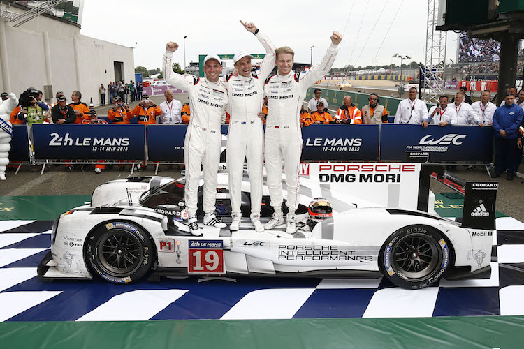 (L-R) Nick Tandy, Earl Bamber, Nico Huelkenberg with their Le Mans winning 919 (Credit: Porsche)