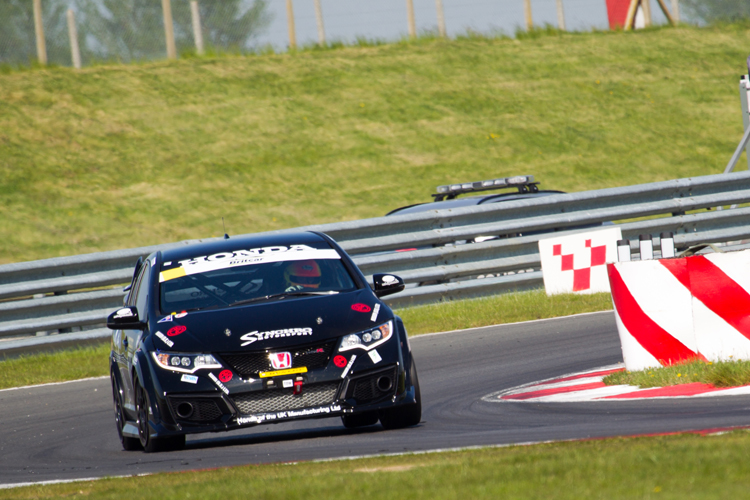 The Synchro Motorsport Honda Civic Type-R at Snetterton in the Britcar Endurance Championship.