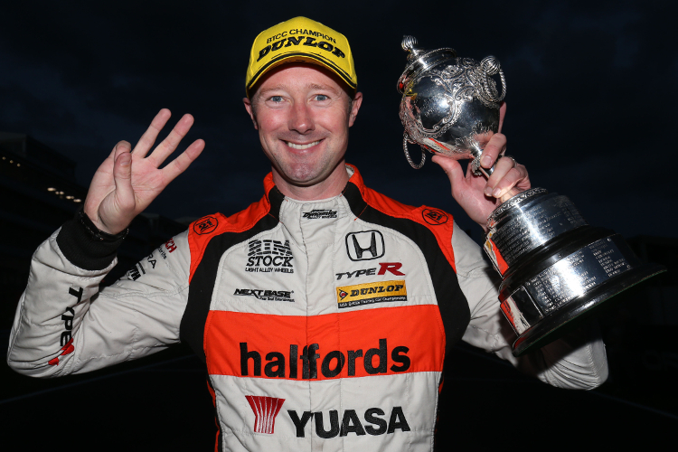 Gordon Shedden – 2016 Dunlop MSA British Touring Car Championship Drivers Champion