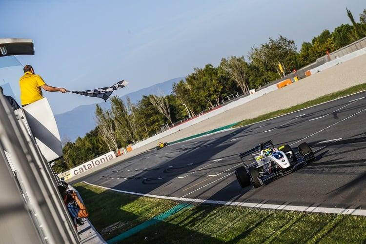 Logan Sargeant - R-ace GP - Circuit de Barcelona-Catalunya