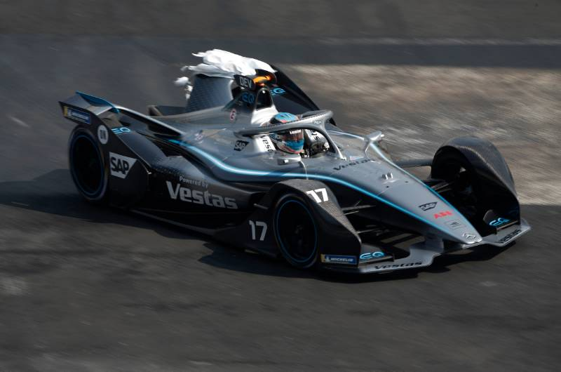 De Vries a 'passenger' in race ending incident - The Checkered Flag