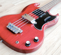 Gibson EB-3<