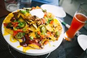 16 Best Nachos in Chicago – Irresistible Crunch & Loaded Flavors