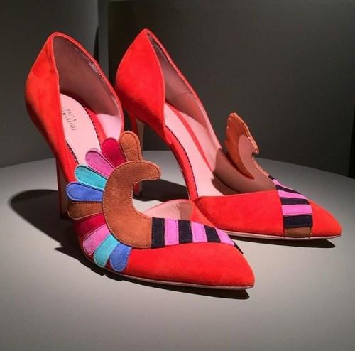 Rainbow heels by Paula Cademartori via Instagram