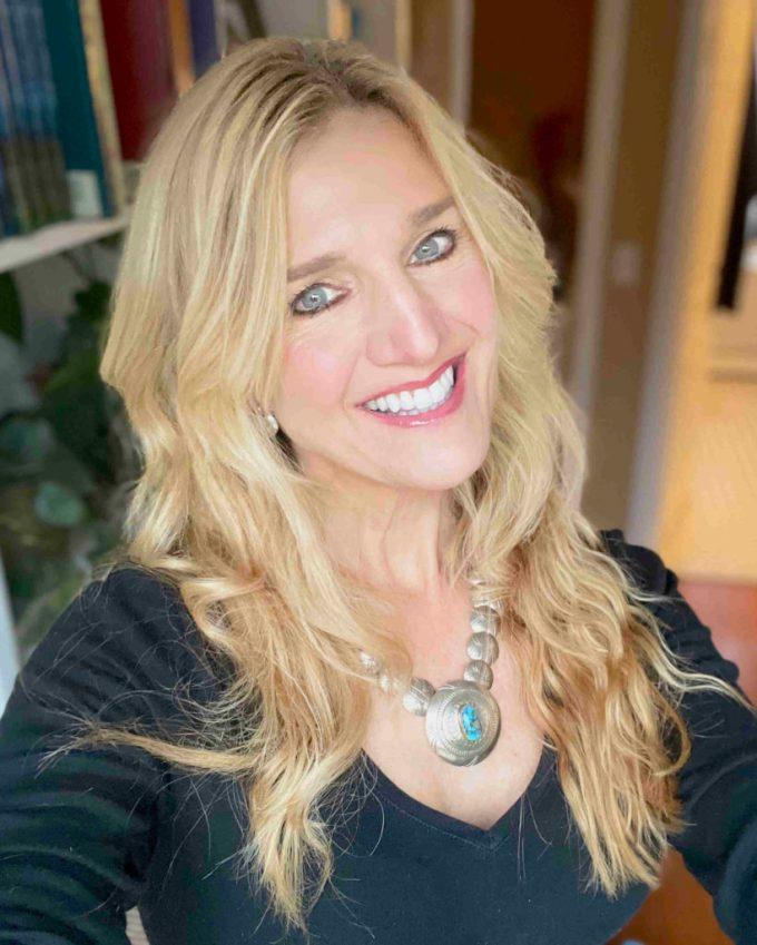 Mary Jane Begin Author Headshot