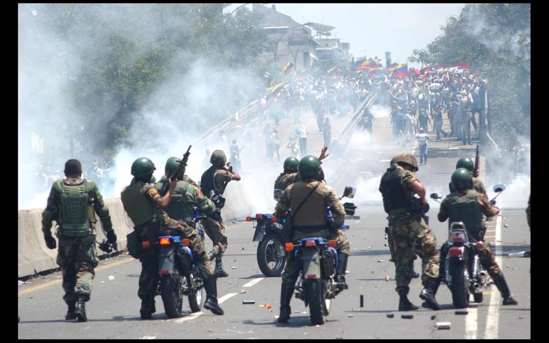 Venezuela Roja: una mirada fotográfica a las violaciones de derechos humanos