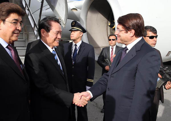 Top Chinese security official makes surprise visit to Afghanistan