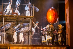 Anthony Roth Costanzo (Akhnaten), centre, in English National Opera's production of Akhnaten by Philip Glass @ Coliseum, London. directed by Phelim McDermott. Conductor, Karen Kamensek. (Taken 26-02-16) ©Tristram Kenton 02/16 (3 Raveley Street, LONDON NW5 2HX TEL 0207 267 5550 Mob 07973 617 355)email: tristram@tristramkenton.com