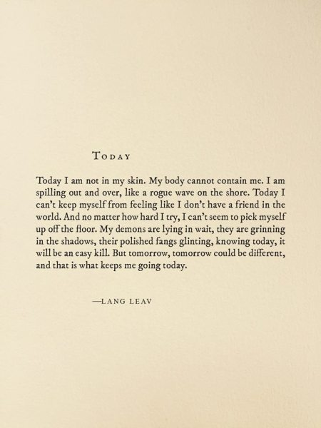 Photo credits to Lang Leav's Facebook page.