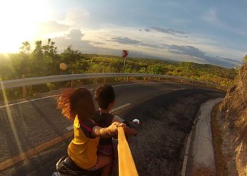 6 Things That Happens When You Travel With Your Loved One For The First Time