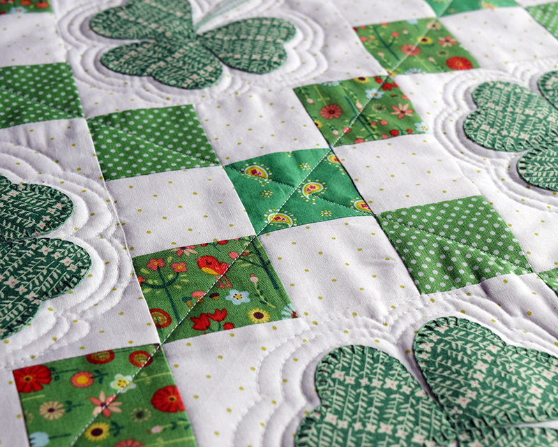 Irish Chain Table Topper Quilting
