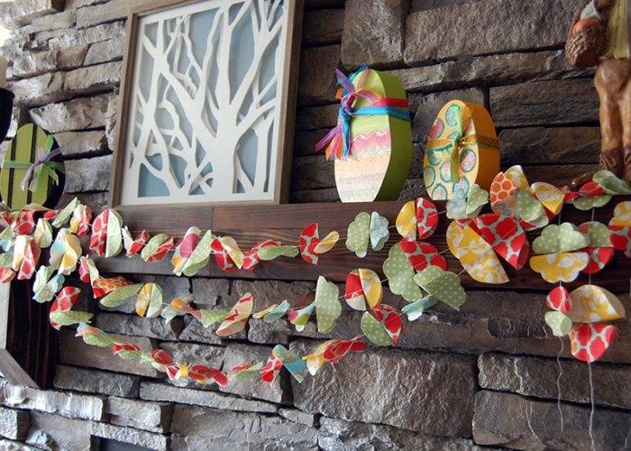 Scrappy-Fabric-Flower-Garland-2