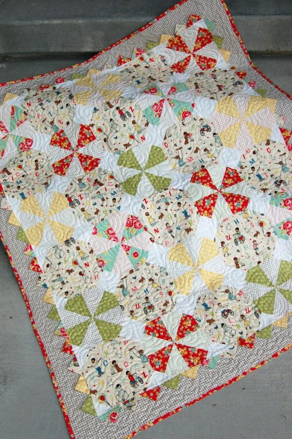 Make This: Prairie Pinwheel Baby Quilt Tutorial : baby pinwheel quilt - Adamdwight.com