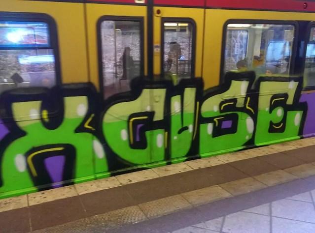 bvg-grafftiti-berlin-1