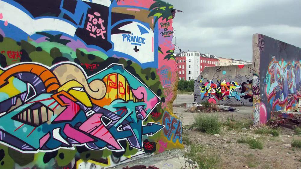 graffiti-berlin-stralauer-allee-102