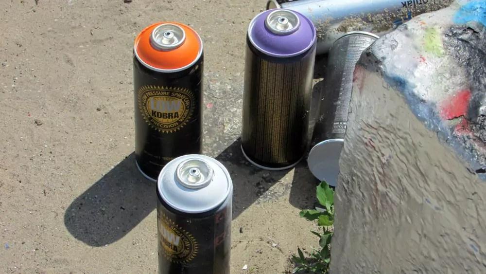 mauerpark-graffiti-wall-2
