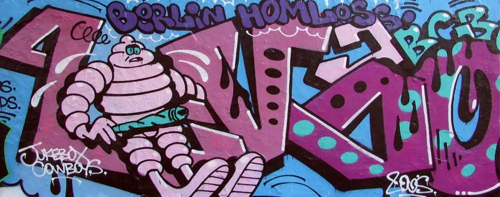 mauerpark-graffiti-wall-7
