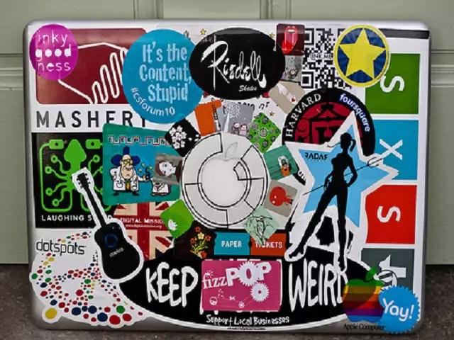ontai-beklebtes-laptop15