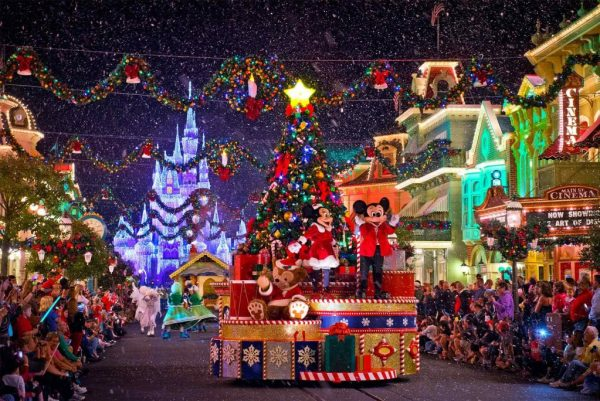 Christmas In Los Angeles.Where To Get Your Free Christmas Spirit In Los Angeles The