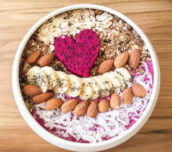 Smoothie bowl - How to Spend Less Than $50 A Day in Bali