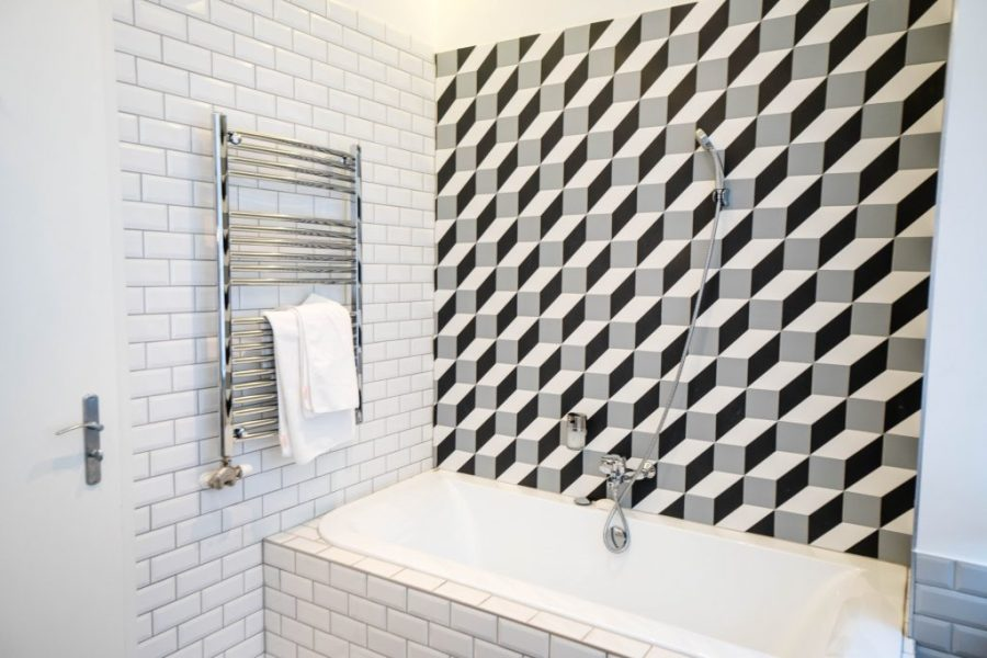 The Magazine Hotel and Apartments Budapest; Panorama Suite bathroom