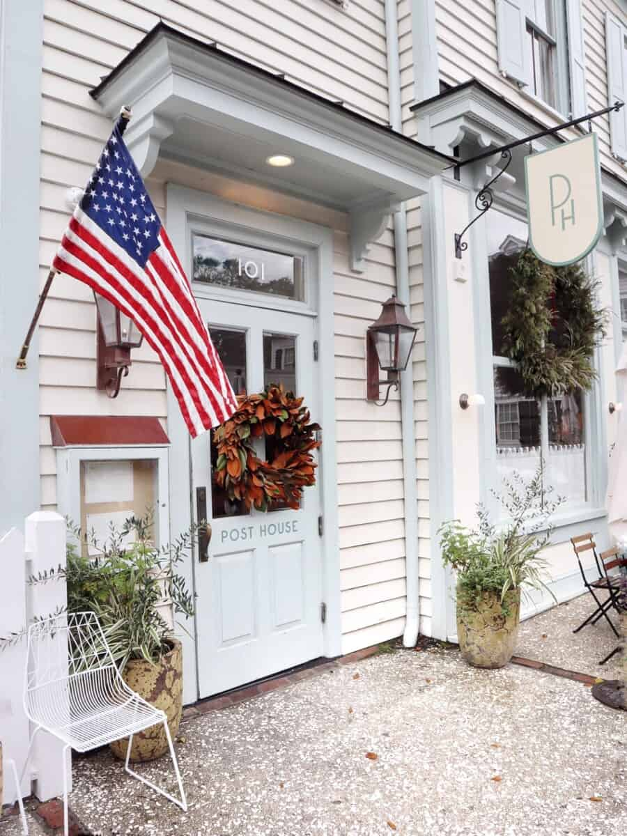 Travel like a local in Charleston and stay at the Post House Inn in historic Old Village, Mount Pleasant, South Carolina.  Explore Old Village and Pitt Street Bridge.  Ride bikes to Shem Creek.  Dine at the Post House Inn with local Charleston menu. #charlestonsc #charleston #mountpleasant #oldvillage #posthouseinn #posthouse #shemcreek #southcarolina #travelsouthcarolina #travelsc #Carolina #seafood #scseafood #sclodging #charlestonlodging #charlestonhotels #mountpleasanthotels