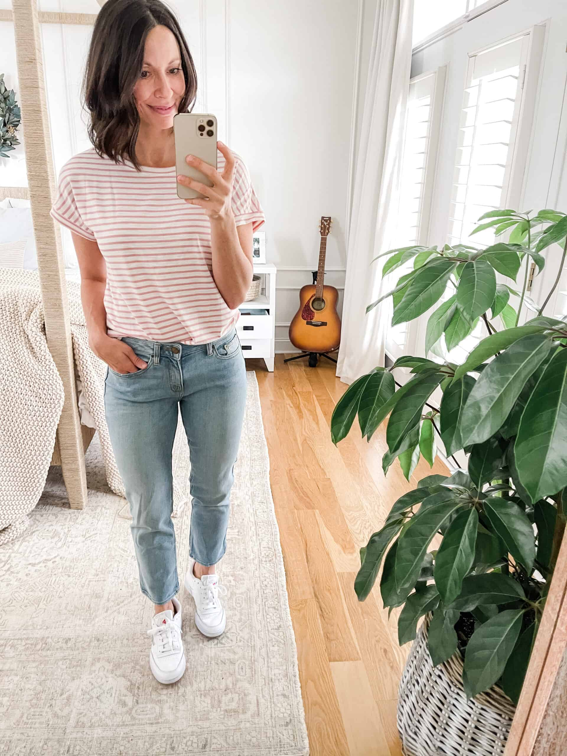 cropped straight jeans with sneakers
