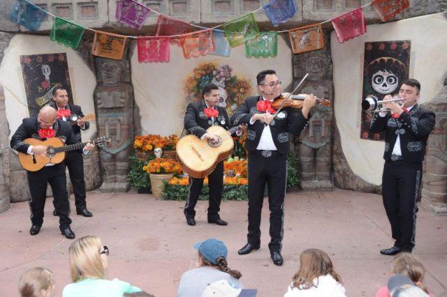 mariachi coco epcot