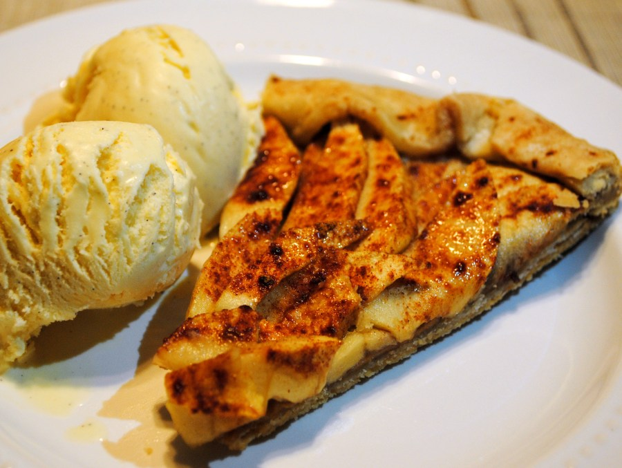 Peanut Butter Apple Tart
