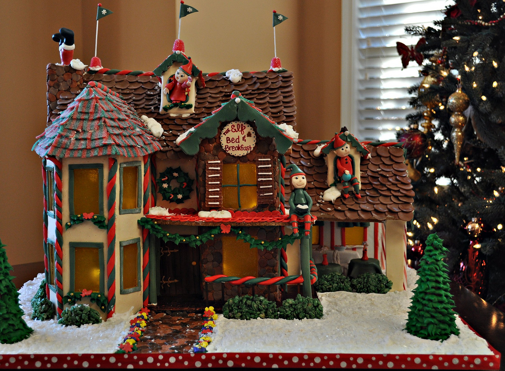 elf bed and breakfast gingerbread house - Gingerbread House Christmas Decoration