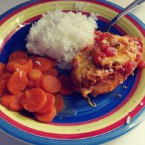 Delicious and spicy crock pot salsa chicken