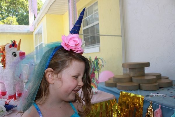 Unicorn horn for a perfect unicorn birthday party