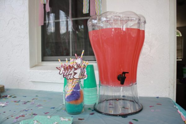 Unicorn birthday party drink station