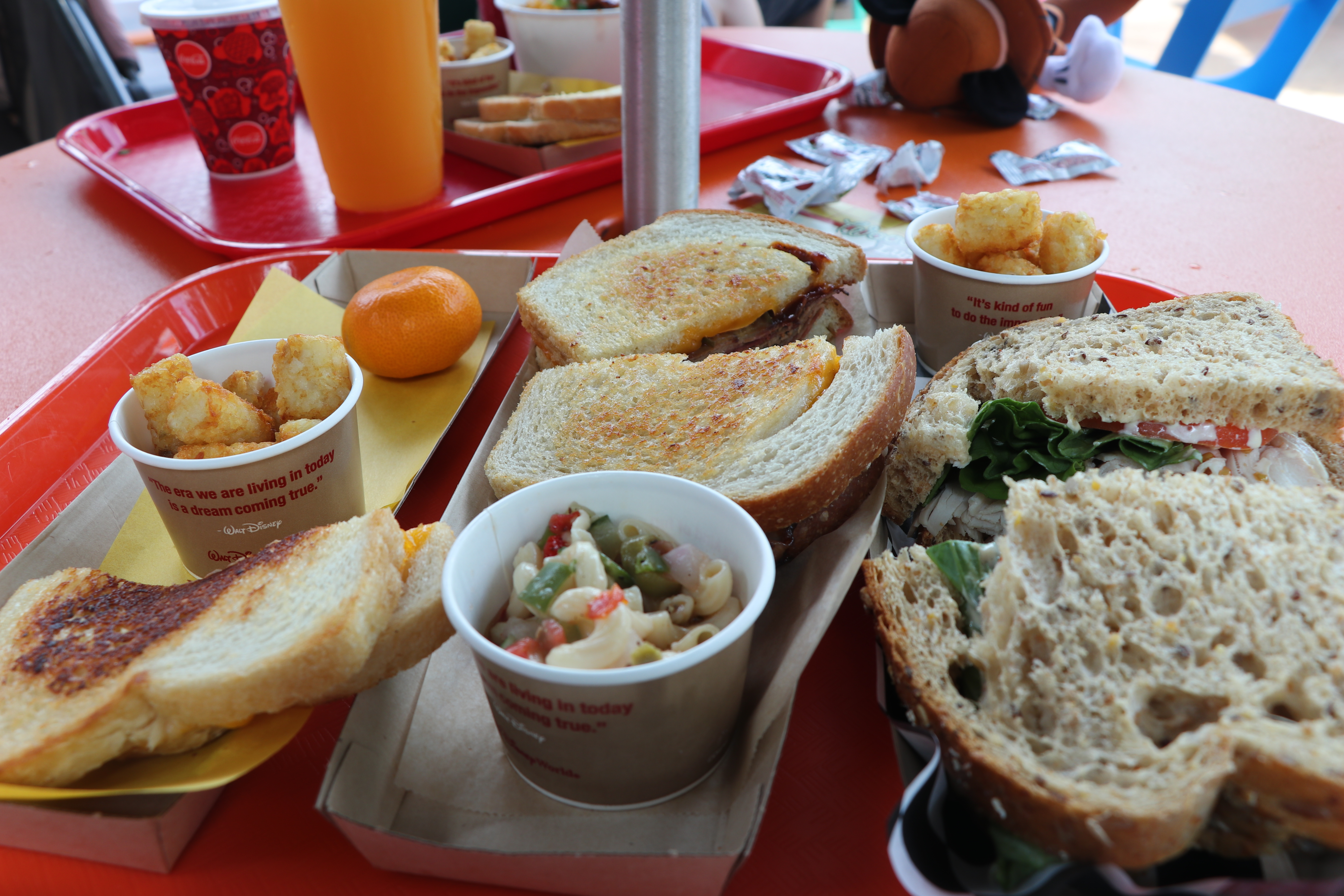 Disney's Toy Story Land, Woody's Lunchbox