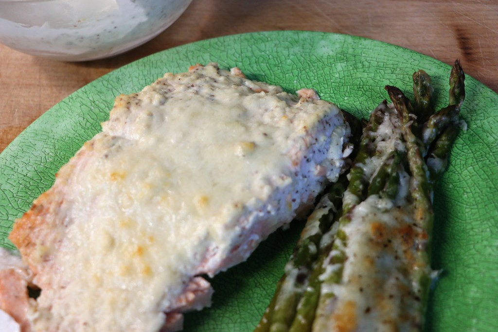 Low carb Keto salmon with creamy dill sauce