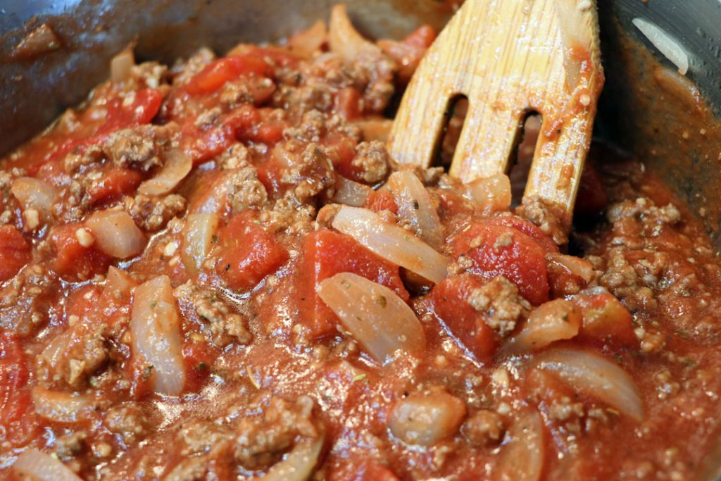 beef noodle casserole. easy italian pasta sauce for 30 minute meal