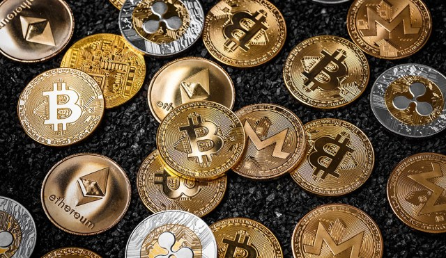 bitcoin cash digital currency  cryptocurrency transactions  blockchain technology digital money  crypto tokens  distributed ledger precious metals