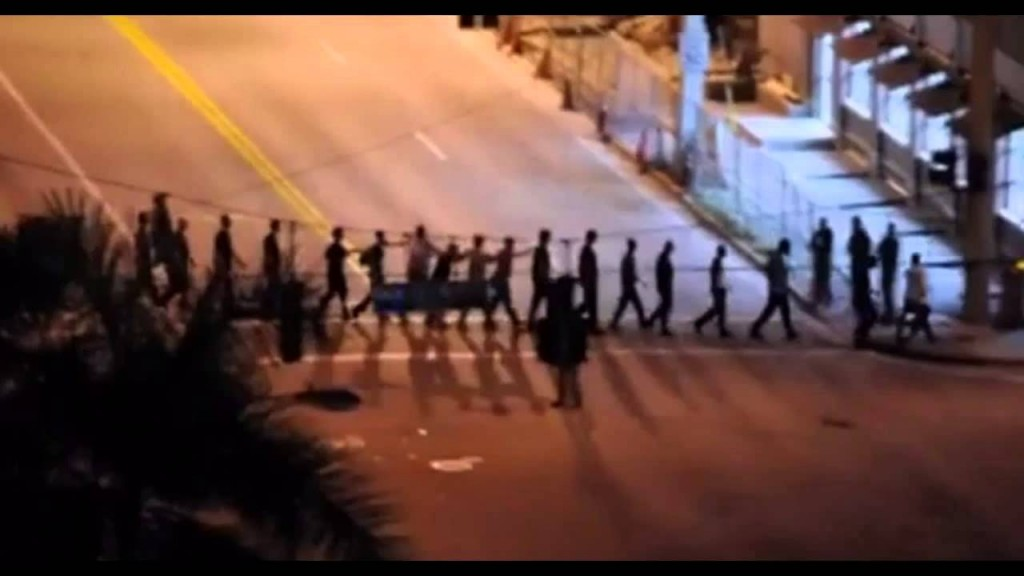 Did you ever think you would see this in America? This is an extraction of dissidents drill in Florida.