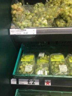 """grapes """"loose"""" in plastic and grapes packaged"""