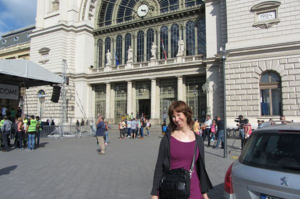 Gail in front of Keleti Station