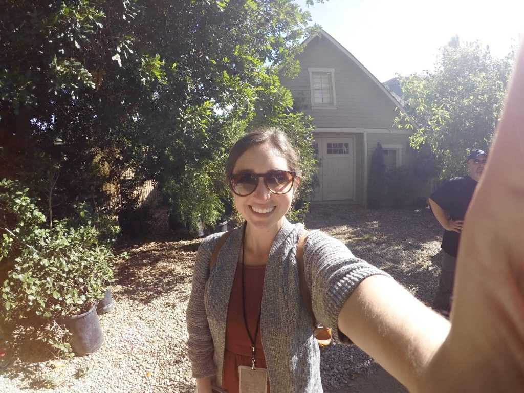 warner bros studio deluxe tour pretty little liars spencer backyard