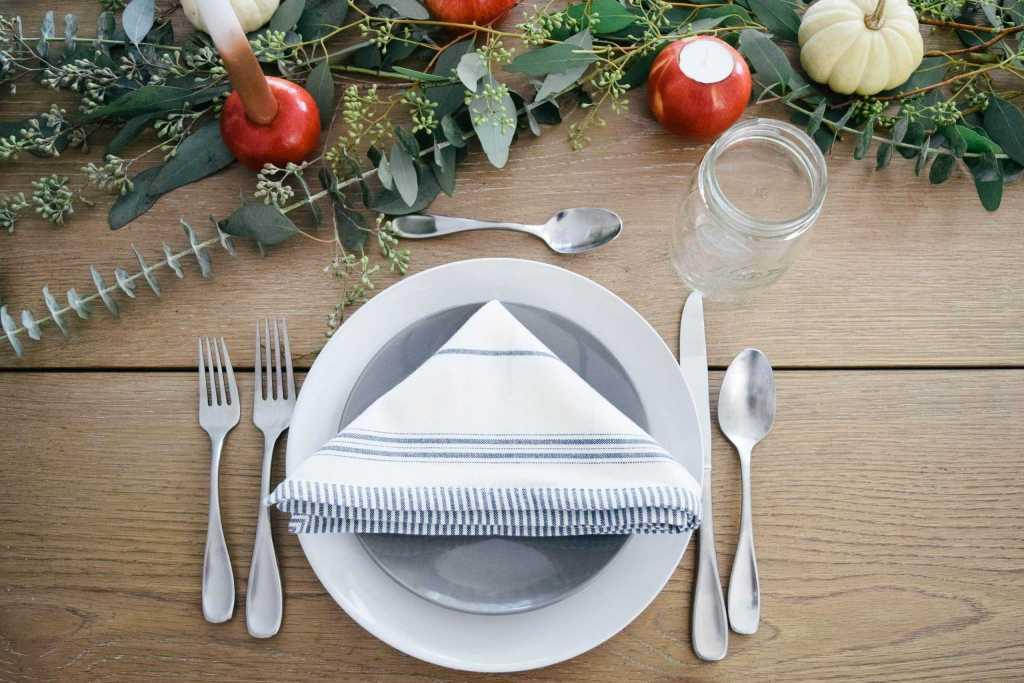 diy a cheap  u0026 easy holiday tablescape