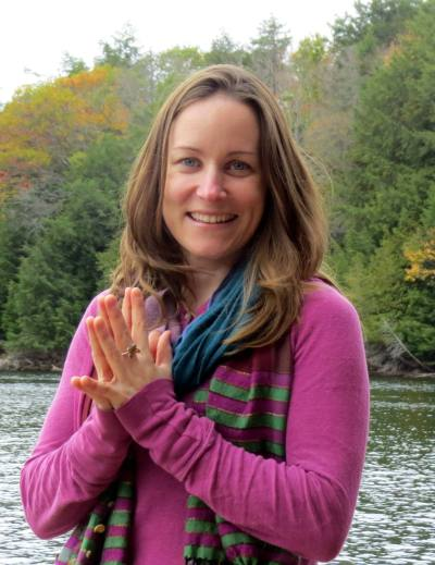 Shannon Crow, host of The Connected Yoga Teacher Podcast and Live Show