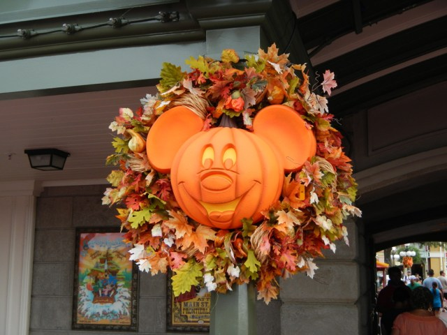 Pumpkin Wreath - Disney Photo Gallery