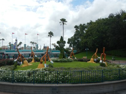 Sorcerer Mickey Topiary
