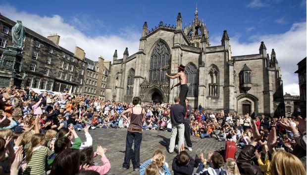 street-performer