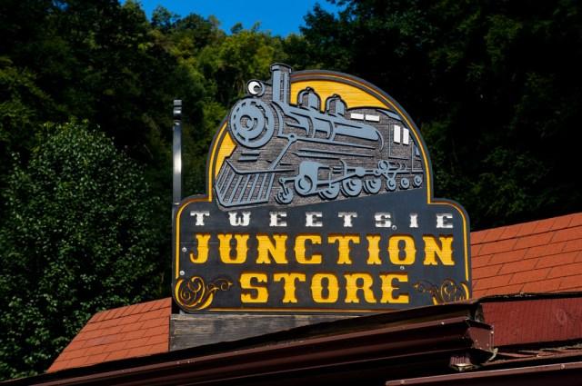 Tweetsie Railroad Review 10-1