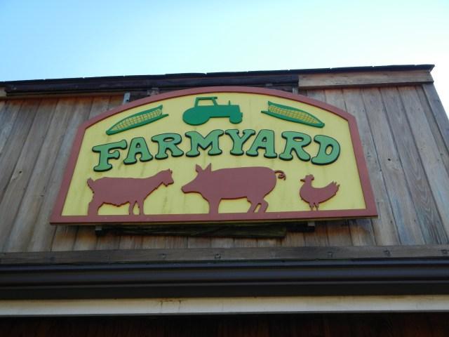 the Farmyard Sign at Baltimore Maryland Zoo