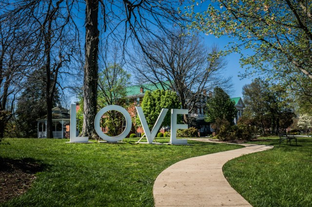 Love Sign in Abgingdon VA